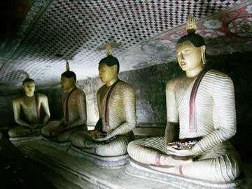 Золотой храм Дамбулла - Внутренние статуи